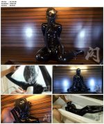 Extreme Latex Breathplay